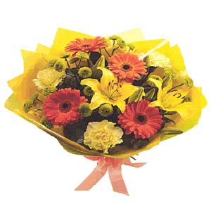Hand tied ouquet of flowers - beautiful fresh flowers delivered in the UK